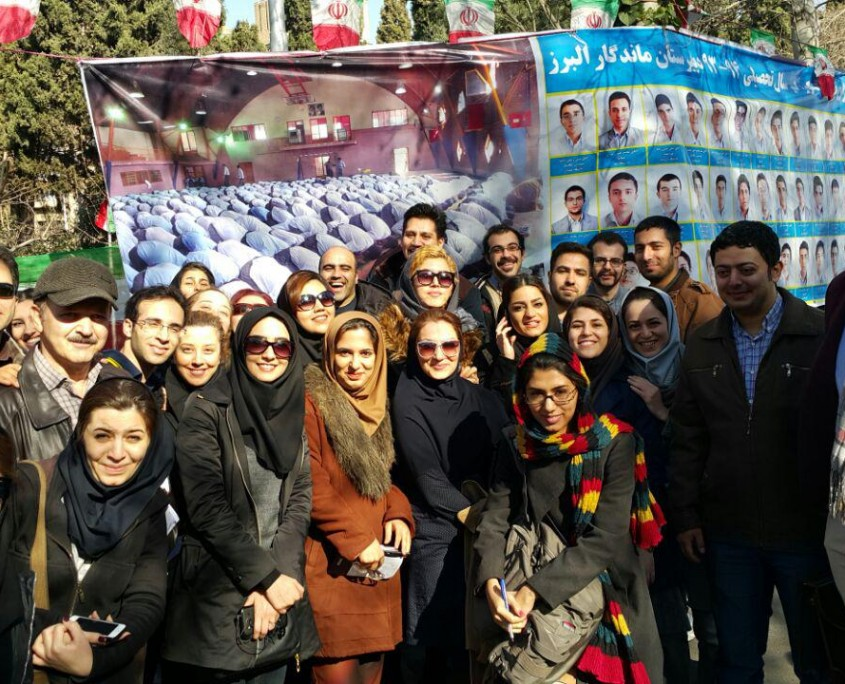 Thousands of Iranian students take the final exams to become licensed tour guide (7)