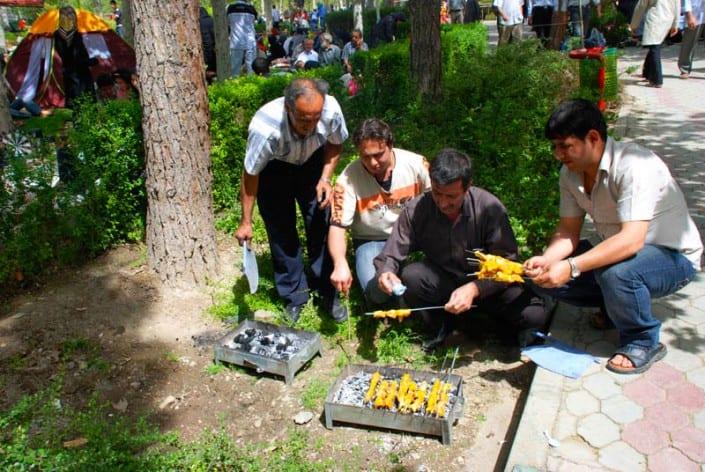 Sizdah bedar is an Iranian festival tradition