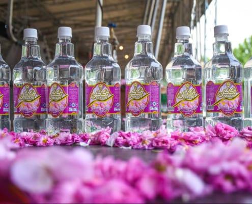 Stop in Kashan to buy Rose water