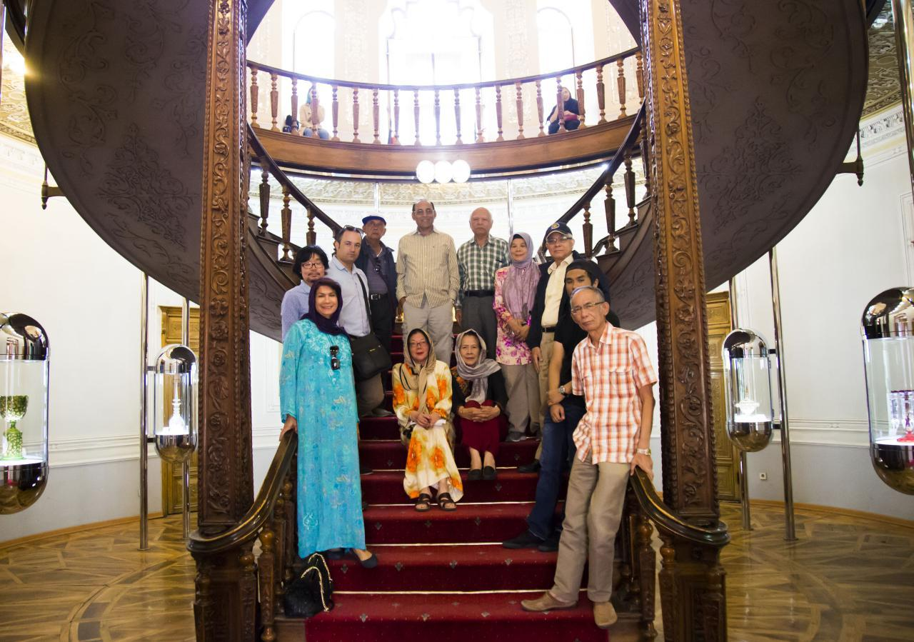 Malaysian tourists visiting Iran - Abgineh Museum of Tehran